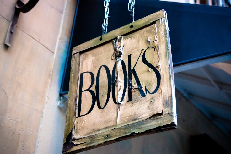 Indie authors accepting review requests